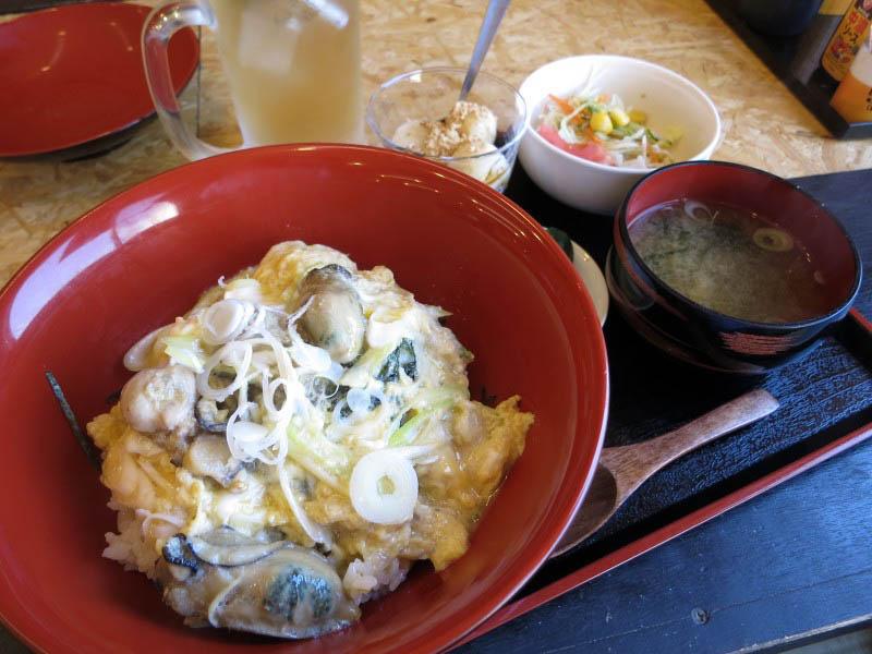 熊谷市玉井「カキ小屋 ガンガン 宝船」のカキ玉丼スペシャル