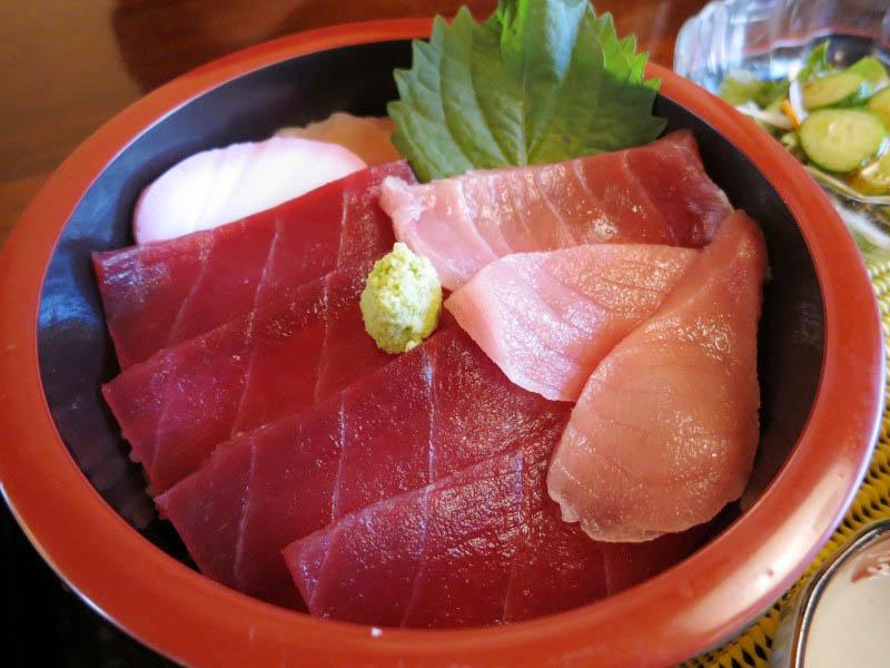 熊谷市妻沼「御食事処 翠泉」の鉄火丼ミニラーメンセットととりから定食