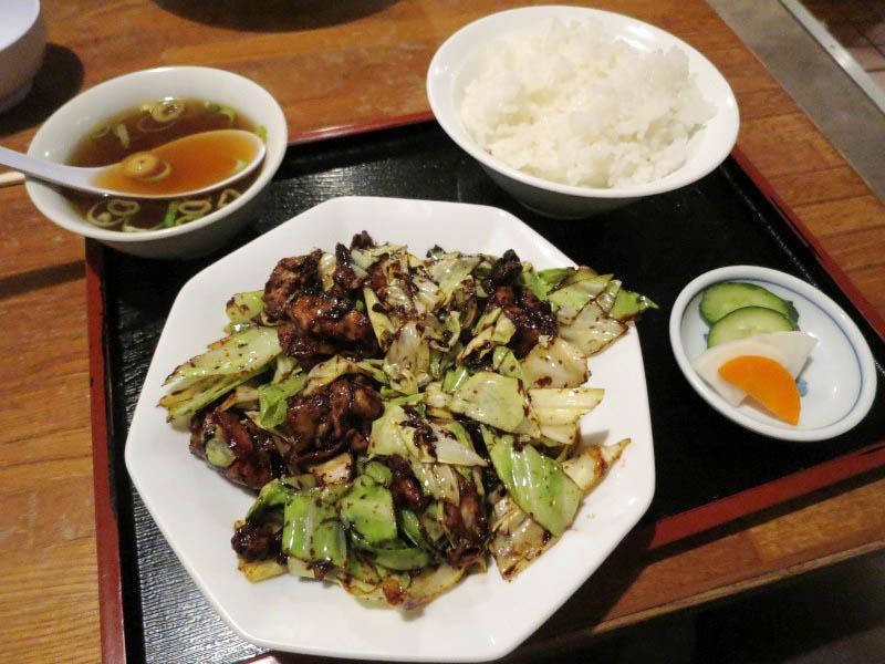 東松山市大字東平「たんぽぽ」の回鍋肉セットとワンタンメン
