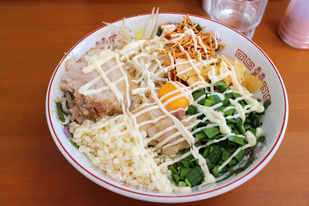 熊谷市拾六間「ラーメン ジライヤ」のまぜそば(300g)