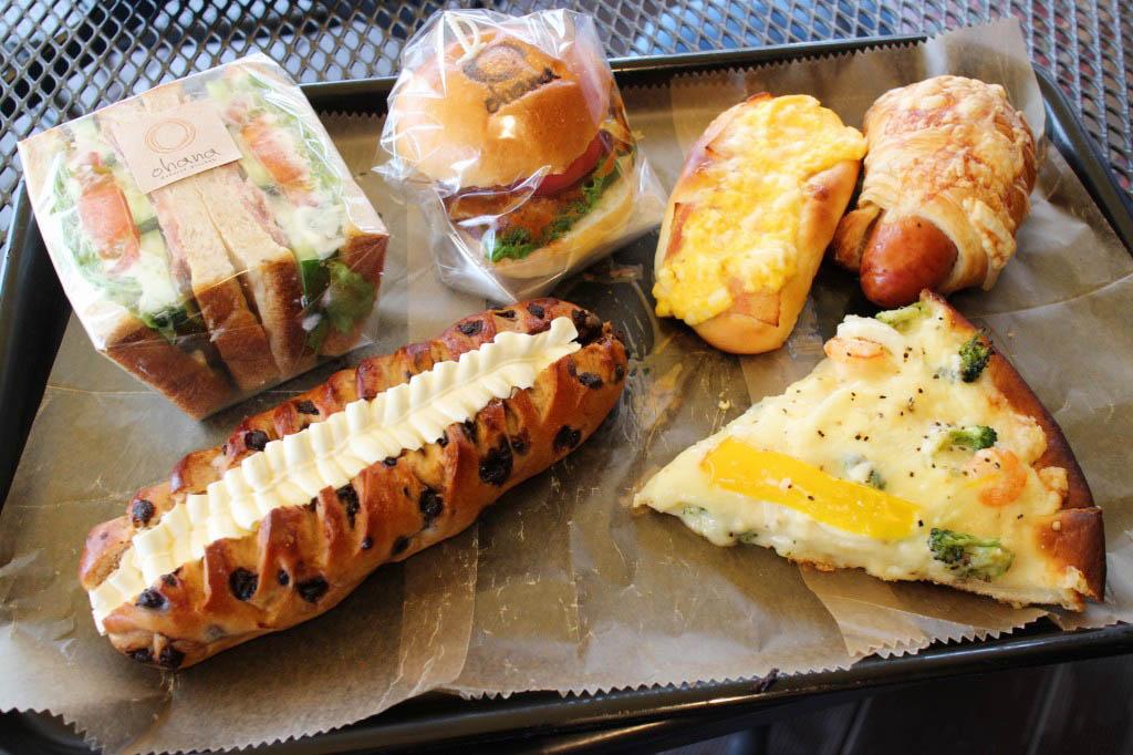 深谷市小前田 道の駅はなぞの内「Bakerys Kitchen ohana」のパン色々その3